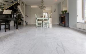 Onderhoud nieuwe marmeren vloer